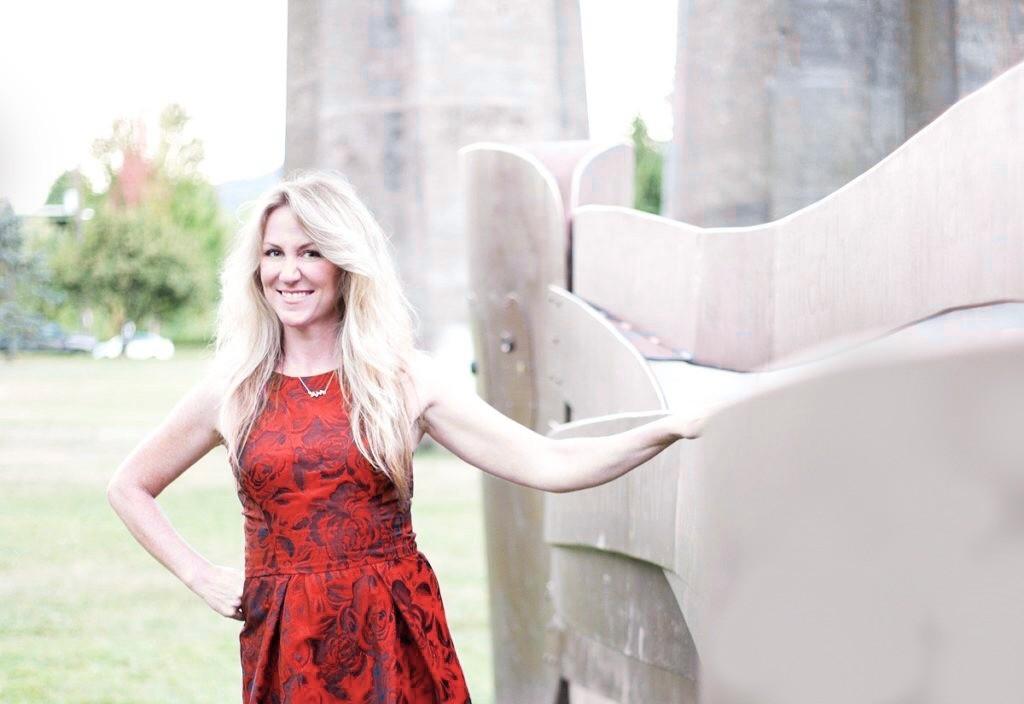 jen red dress website